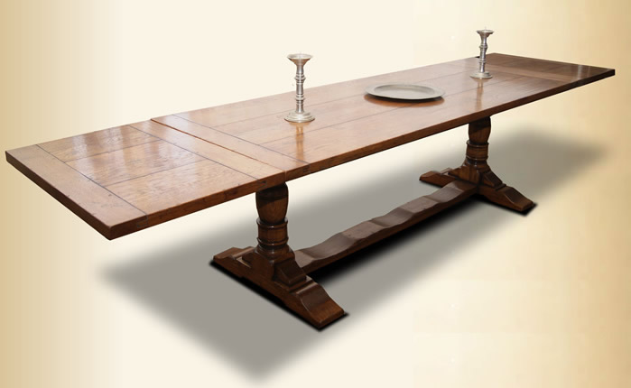 IT13 Refectory Dining Table – Baluster Leg