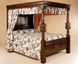 BD2 Four Poster Bed – Carved Columns Variations