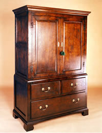 OP1 Linen Press 3 Drawer Cupboard