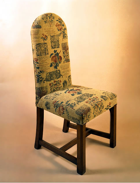 OC20A Upholstered Square-Leg Arched Chairs