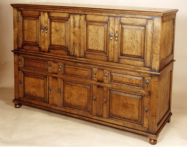 104 Oak Cupboards over Cupboards