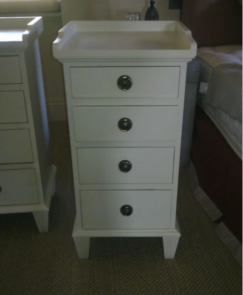 SC11391 Bedside Cabinet (Painted)
